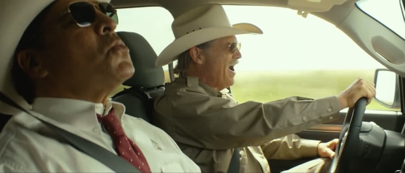 Gil Bermingham and Jeff Bridges in Hell or High Water